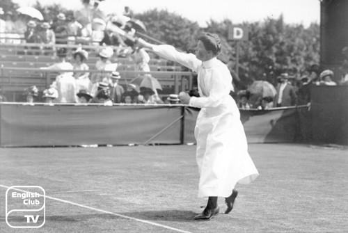 Одна из первых женщин на Уимблдонском турнире